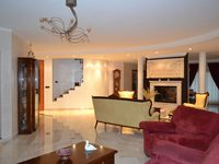Detached house for sale in ITZIG