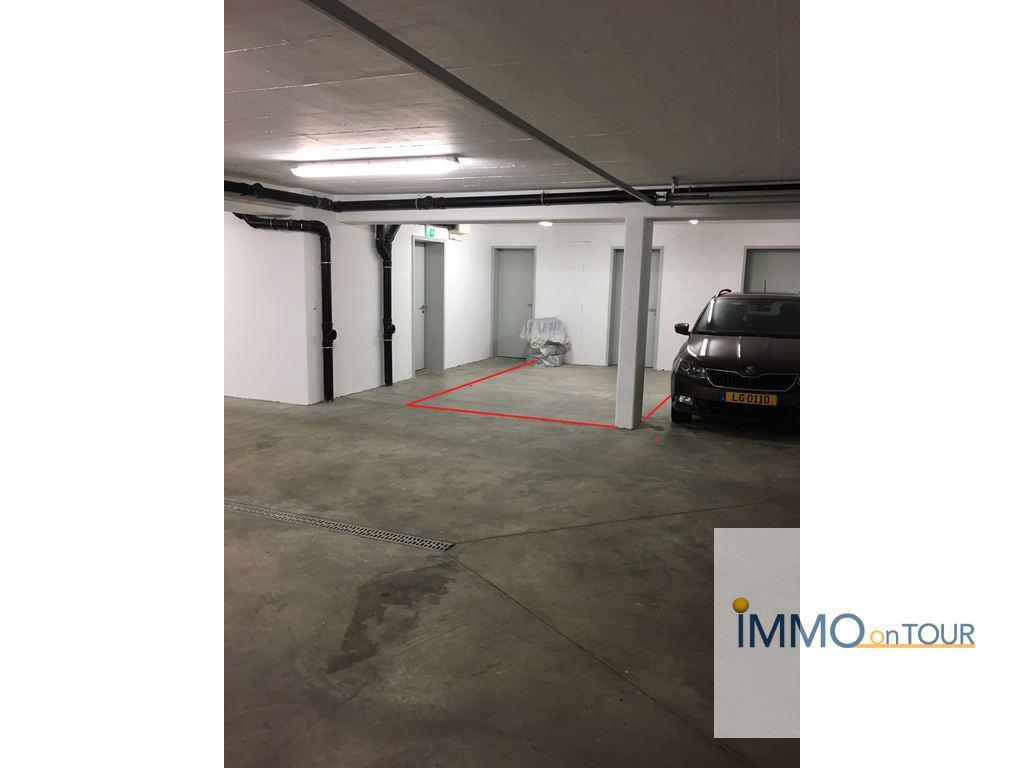 Immotop lu emplacement int rieur louer nospelt for Garage interieur a louer