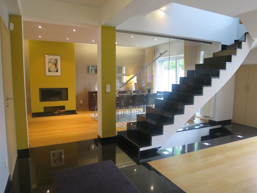 Semi-detached house 6 rooms for sale in Luxembourg