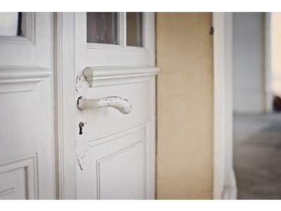 Trois bonnes raisons de faire appel à un agent immobilier pour vendre son logement