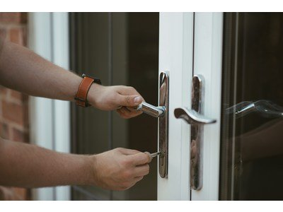 Precautions to avoid burglaries